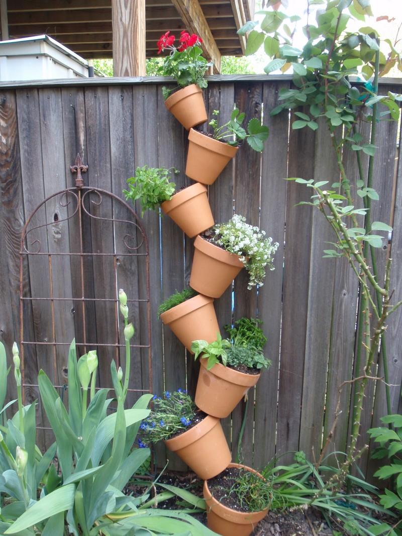 Topsy-Turby Vertical Garden - Log Home