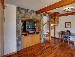 Small Scale Timber Cabin - Idaho, USA