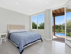 The First Container Home in the Hamptons - Bedroom