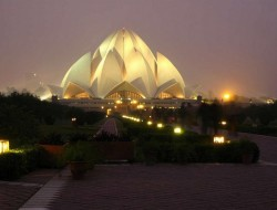 Bahá'í House of Worship (Lotus Temple) - Delhi, India
