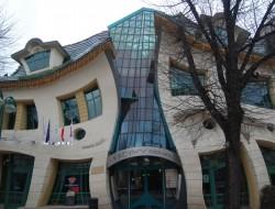 The Crooked House by Szotynscy Zaleski - Sopot, Poland