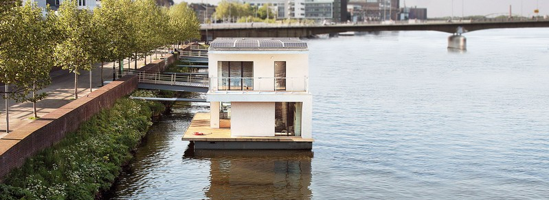 A fully self-sustaining passivehaus... that floats!
