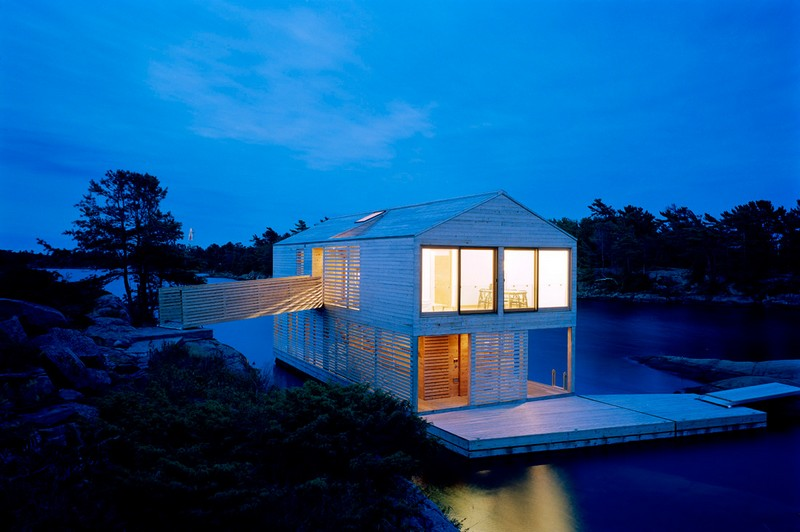 Floating House - Ontario, Canada