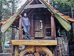 Tiny Homes by Lloyd Kahn - Queen Charlotte Islands