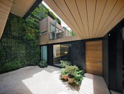 Vertical Garden Keeps Casa CorManca Cool and Comfortable - Ciudad de México, México