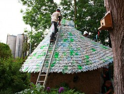 Plastic Bottle Roof - Apartment Theraphy