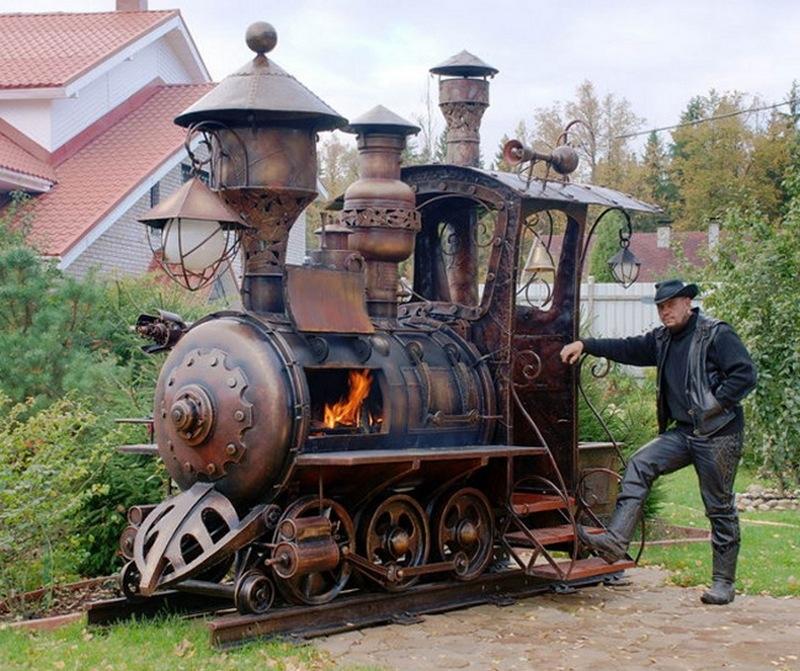 Choo choo… What do you think of this train BBQ grilll?