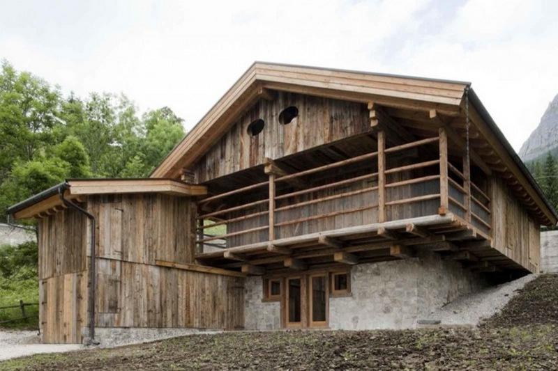 Alpine Barn by EXiT architetti associati - Selva di Cadore, Belluno, Italy