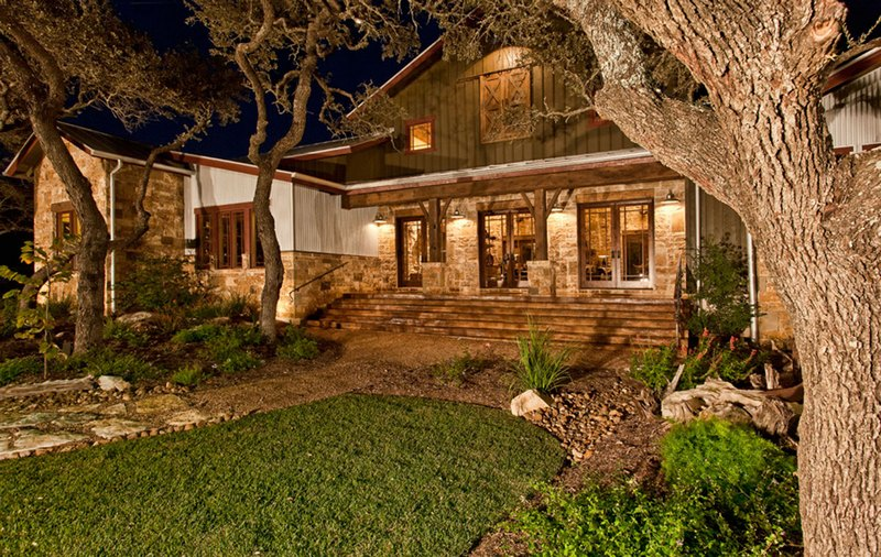 Blanco Ranch Home - Heritage Barns