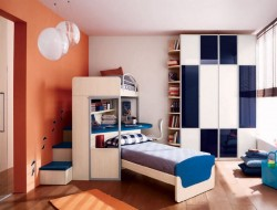 Space Efficient Teenage Boys Bedroom