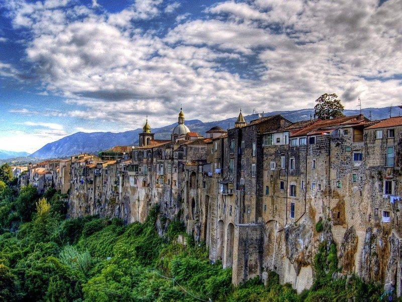 Living on the Edge - Sant'Agata Dei Goti - Benevento