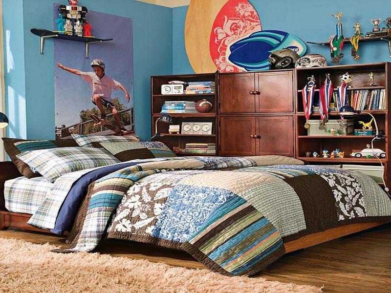 Skateboard Inspired Teenage Boys Bedroom