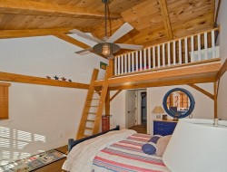 Warm Colored Teenage Boys Bedroom