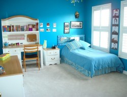 Blue Teenage Girls Bedroom