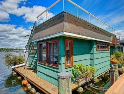 Eastlake Floating Home by NWMLS / RE/MAX Metro Realty, Inc. - Lake Union