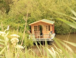 Euro Floating Cottage by Euroship Services