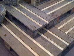 Pallet Outdoor Steps