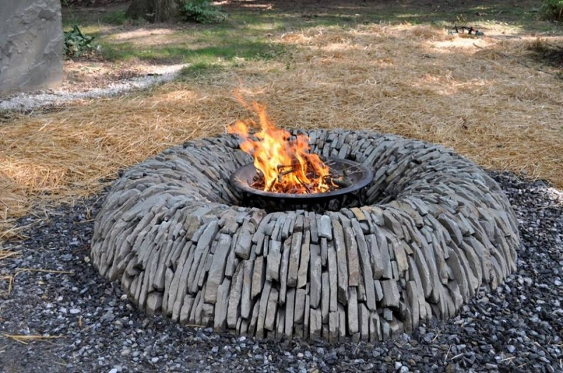 Still looking for that perfect fire pit? What do you think of this dry stone fire pit built by Mark Jurus?