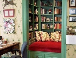 Here's an idea for all you avid readers out there. Turn a closet into a reading nook.