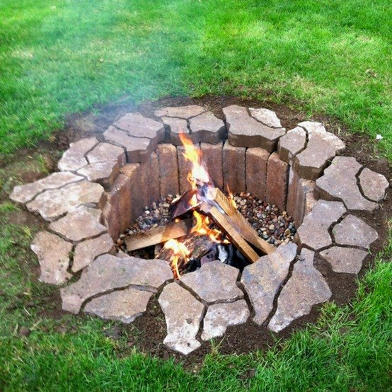 Does this look like something you would like to see in your backyard? Looks fairly simple to make, but beautiful and functional!
