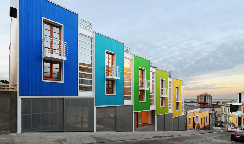 A community housing project for 20 families in Valparaiso, Chile