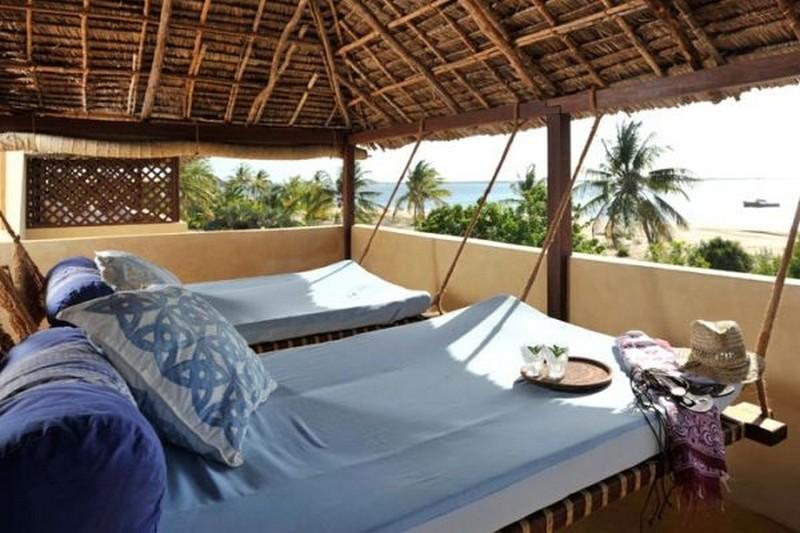 Resort Style Swing Bed