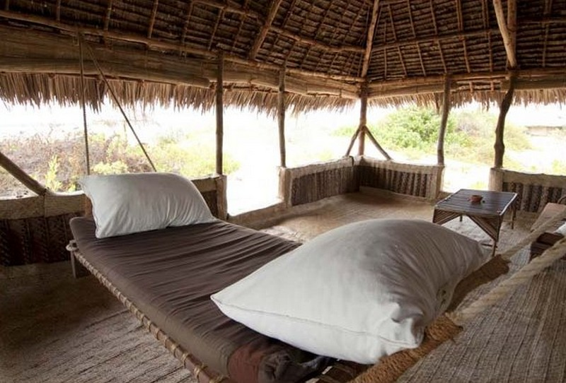 Resort Swing Bed