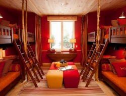Could you use a room like this in your home? Sure, the top bunks are hard to make, but...