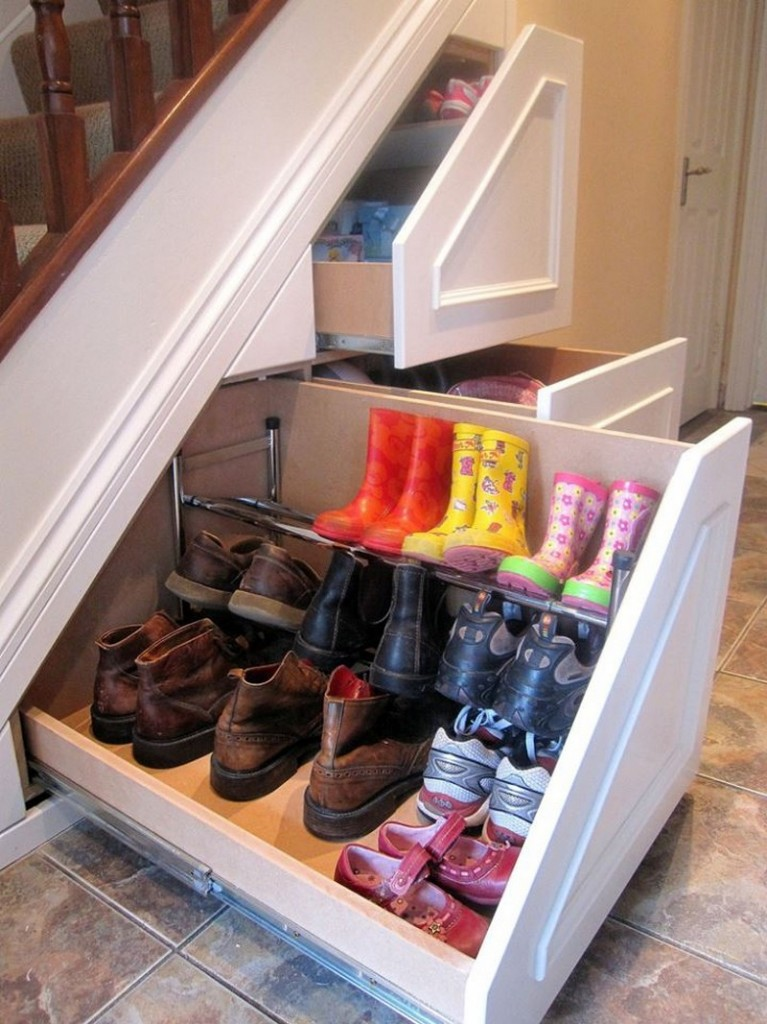 Do you need extra storage space? (Is there any home that doesn't?) Could this be the solution? Don't be bashful - share your thoughts...