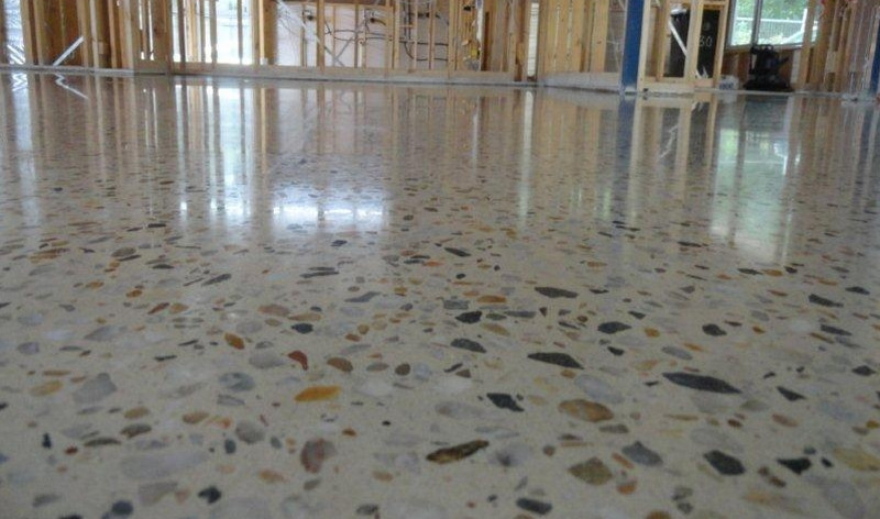 Polished concrete with large aggregate