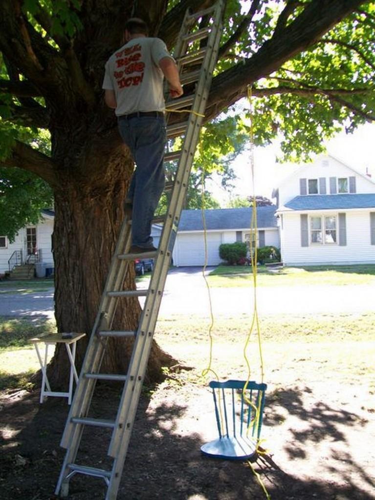 DIY Chair Tree Swing - Hang