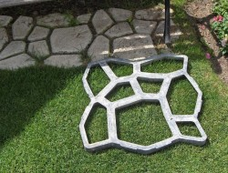 Diy paved patio the owner builder network for Walk maker ideas