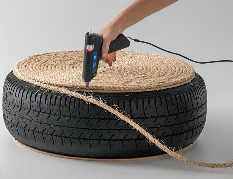 DIY Tire Ottoman - Attach Rope to Board using Hot Glue