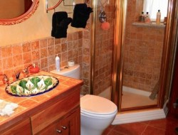 H and H Straw Bale Home - guest bathroom