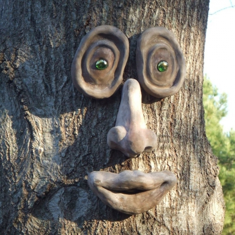 "Oakley - ""I have tons of parties and my guests just laugh themselves silly when they notice Oakley up in the tree. It really brings the trees to life."""