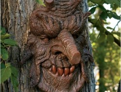 "Poison Oak Greenman - "" This face is so real life when looking at it from afar you think it grew like that in the tree.i would recomended this to any one."""