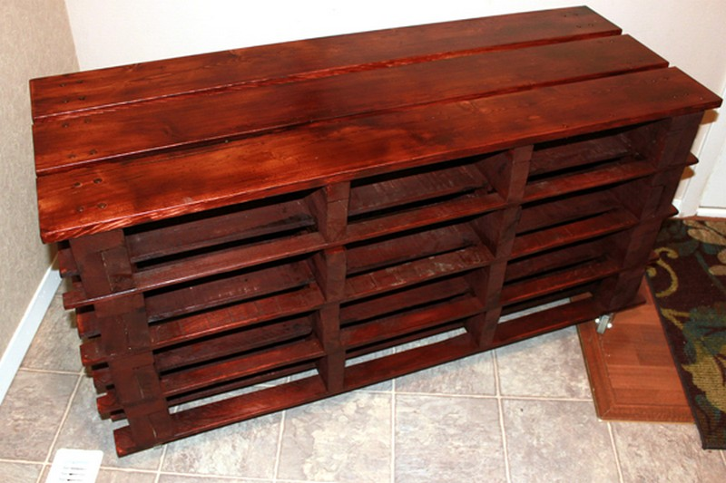 Pallet entryway bench the owner builder network for Building a bench from pallets