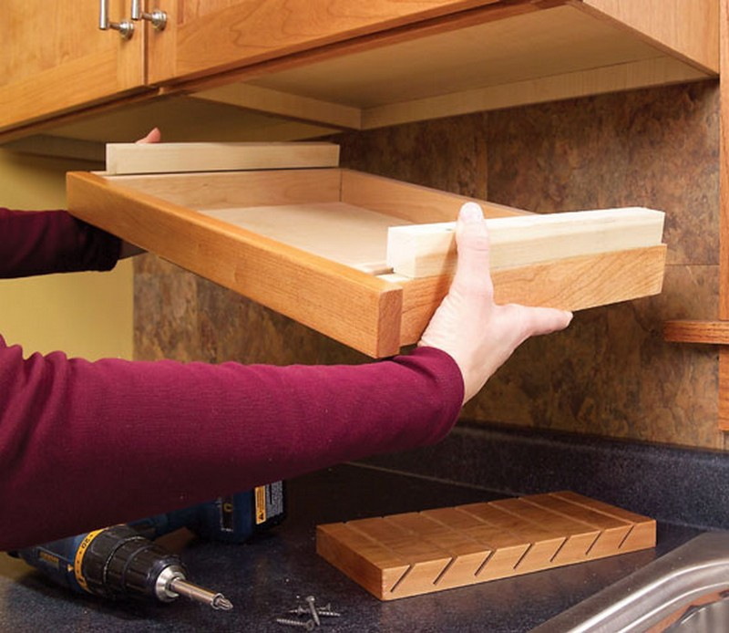 Clever ideas for storing your kitchen knives the owner for Homemade kitchen cabinets