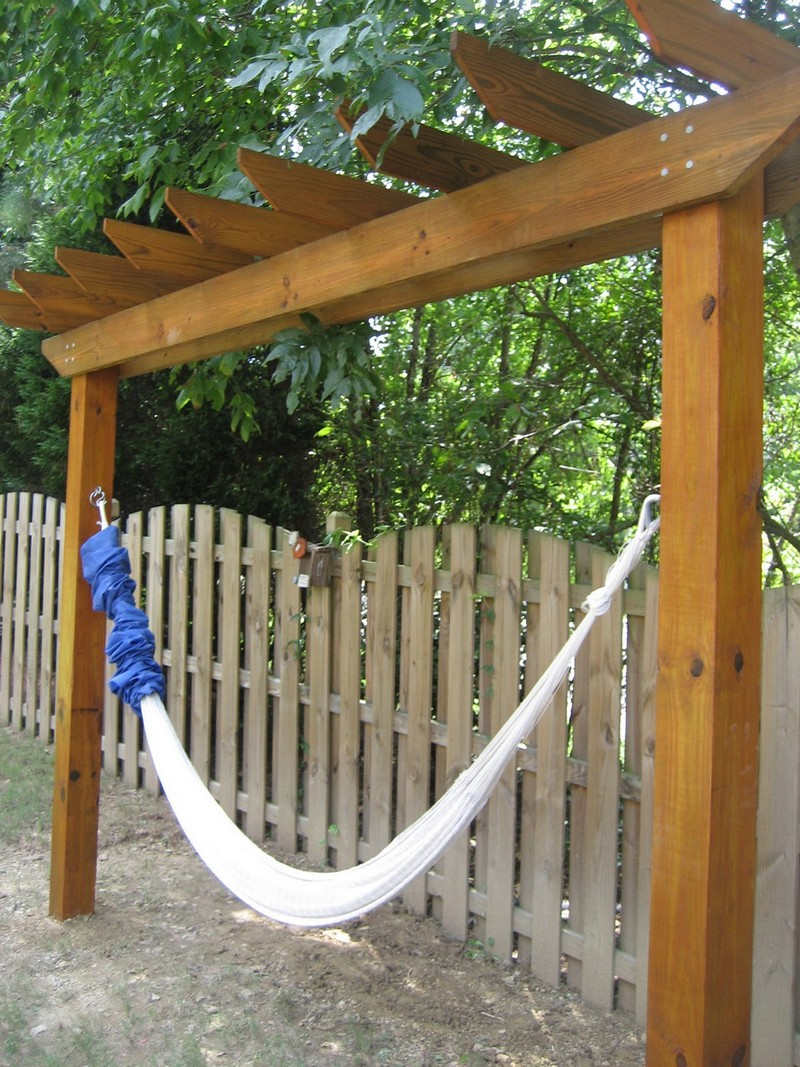 Relax in your yard even without trees with this DIY ...