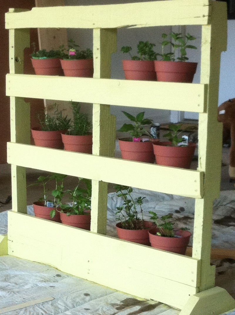 Pallet Vertical Herb Garden - The Owner-Builder Network