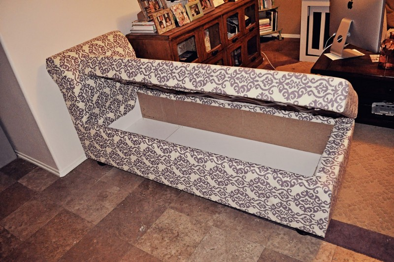 Perfect DIY Storage Chaise Lounge