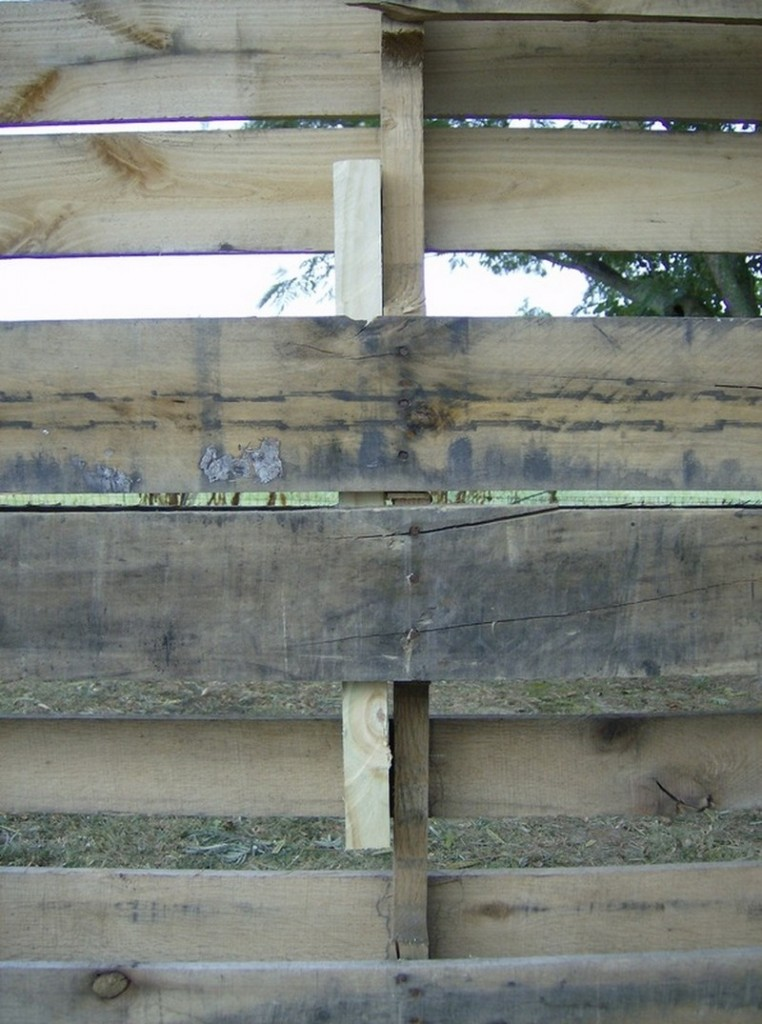 How To Build A DIY Pallet Shed - Carriage bolts
