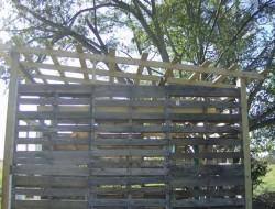 How To Build A DIY Pallet Shed - Roofing
