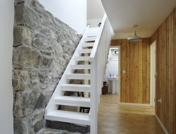 Leachachan Barn - Upstairs to the bedroom area