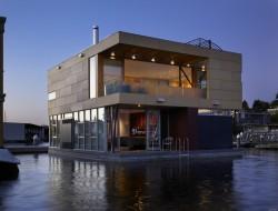 Lake Union Floating Home - Washington, USA