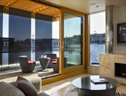 Lake Union Floating Home - Living room