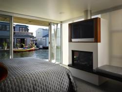 Lake Union Floating Home - Bedroom area