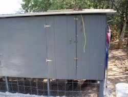 DIY Pallet Chicken Coop - Access Door Closed