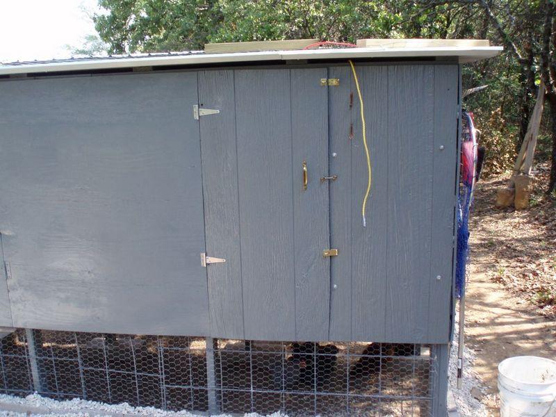 DIY Pallet Chicken Coop - Access Door Closed