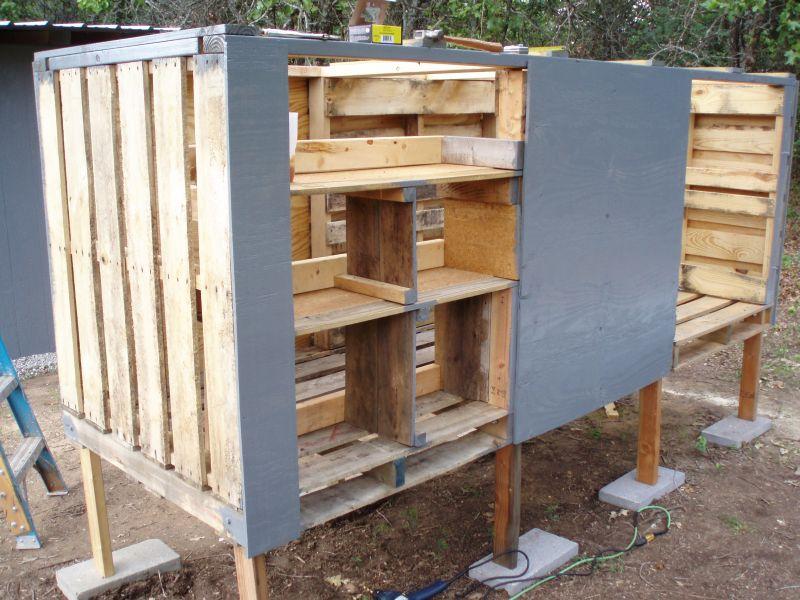 DIY Pallet Chicken Coop - Chicken House